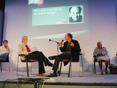 جرج پنسی در كنگره طراحی ICSID، سال 2003